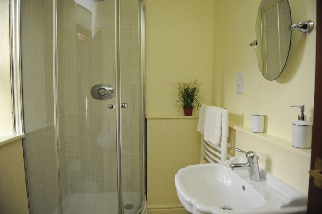 Barn bathroom 1 [1280x768]024